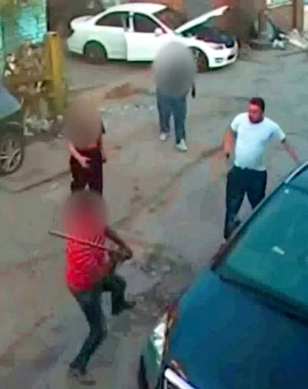 Brave have-a-go-hero fights off machete-wielding burglar with plank of wood